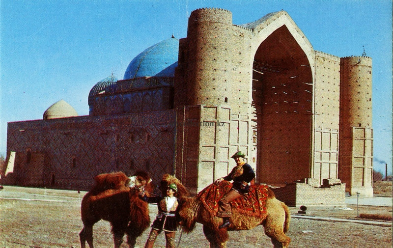Mausoleum of Khoja Ahmed Yasawi - Turkistan.jpg
